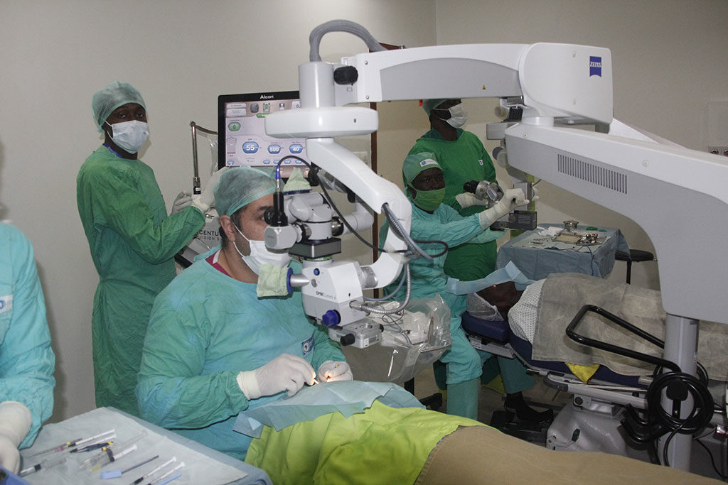 centre-for-sight-africa-best-eye-hospital-affordable-eye-care-treatment-surgery-in-nkpor-onitsha-anambra-state-nigeria-refractive-surgery